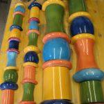 Handgeschlagene, versatzfertige, keramische Säulen in meiner Werkstatt