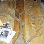 Der Baum wird zunächst aus Ton modelliert