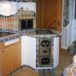 Eine gemauerte Küche braucht natürlich auch einen gesetzten Herd